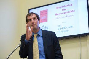Dr Daniel Shapiro